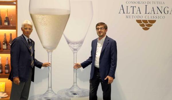 Due Oscar della Douja e due vini premiati, 17 etichette in degustazione:  torna la Douja d'Alta Langa. Dal 12 al 21 settembre 2014 all'Enofila di Asti