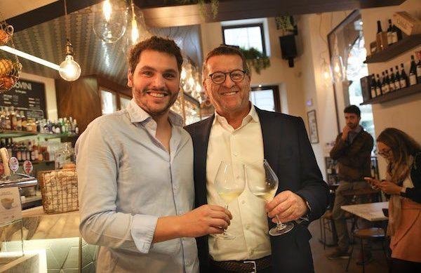"Una nuova ""Terrazza Alta Langa"": inaugura  ad Alba ""100 VINI caffè La Brasilera"""